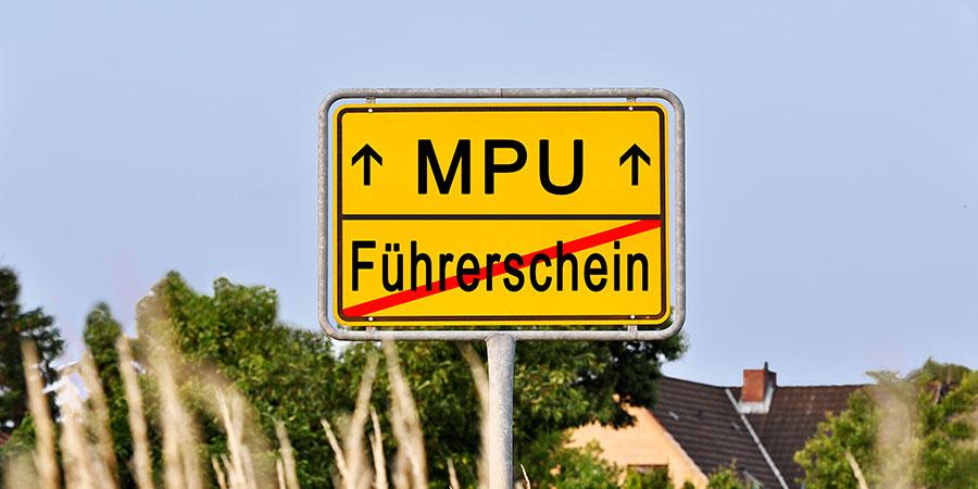 MPU/Führerschein Ortschild in gelb