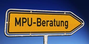 MPU Beratung Schild in gelb